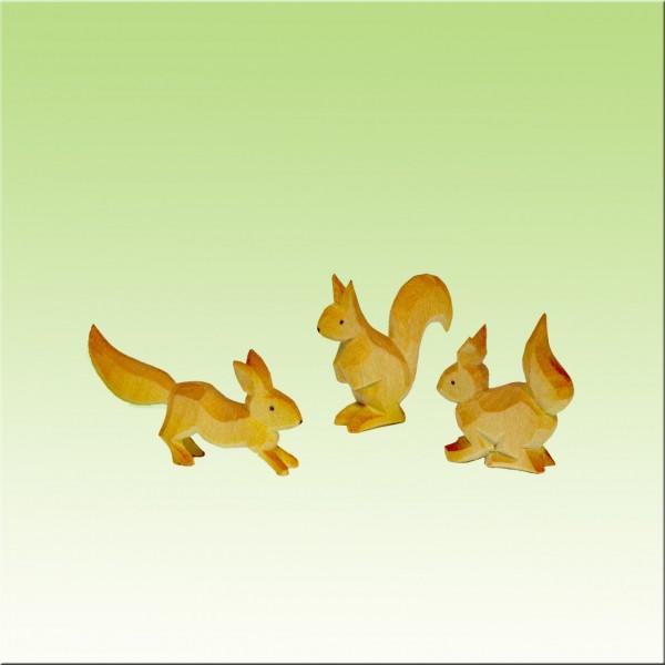 geschnitzte Eichhörnchengruppe, 3cm, farbig